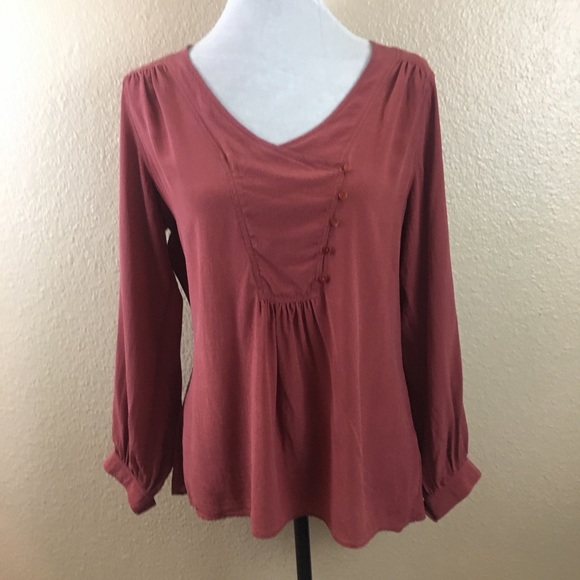 4b26b67b117343 dil Tops - ⬇  30 dil silk rust blouse
